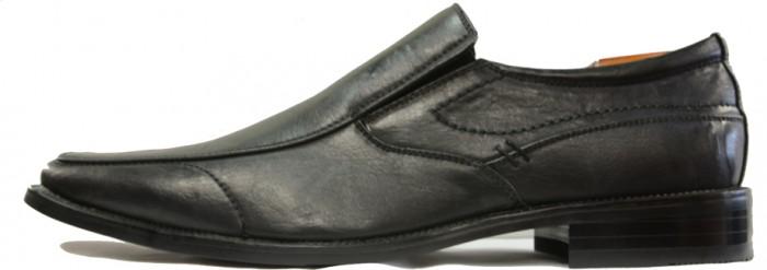 Black wingtip dress shoes for men